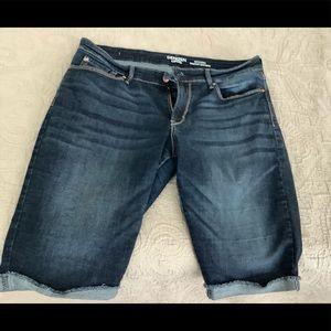 Denizen by Levi shorts